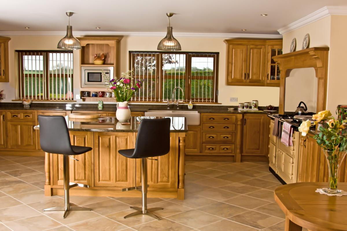 Oak Kitchen Newquay 01. Full resolution‎  image, nominally Width 1200 Height 800 pixels, image with #704414.