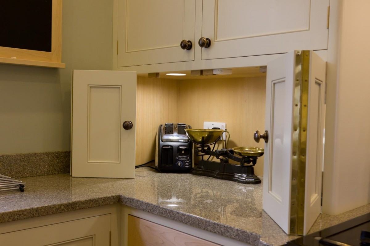 Painted-and-Maple-Kitchen-13