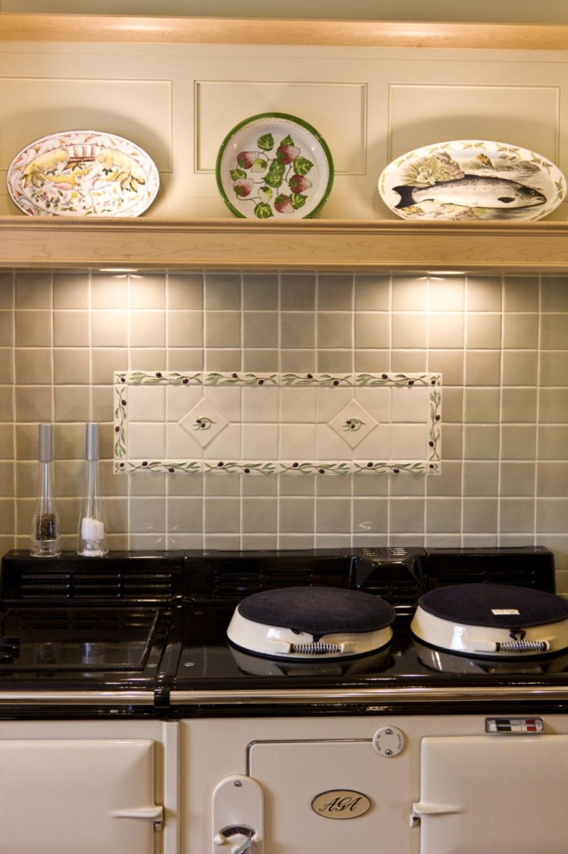 Painted-and-Maple-Kitchen-38