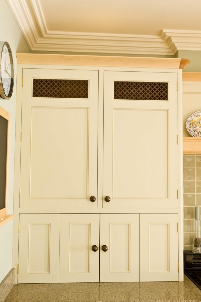 Painted-and-Maple-Kitchen-4