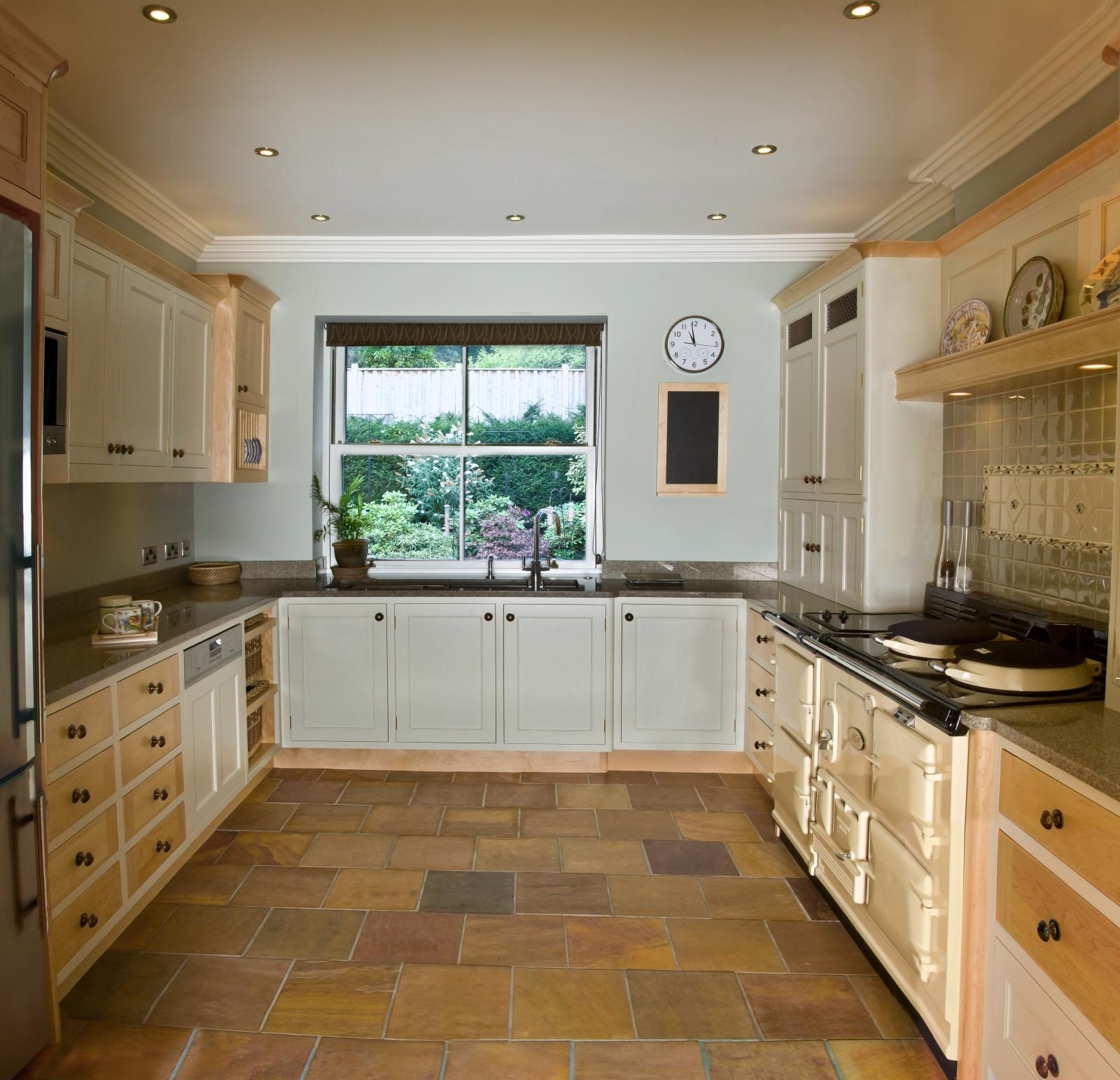 Bespoke Designed Painted KitchensPainted Kitchens